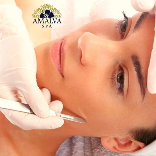 "Dermaplaning ou ""Peeling de Hollywood"""